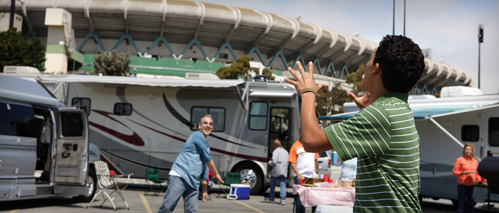 gotailgating Rv Experience | Oman Motor Homes