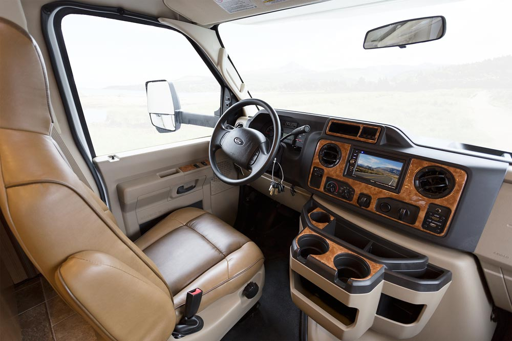 2017-Four-Winds-31W-Rolling-Stone-Sydney-Maple-cockpit | Oman Motor Homes