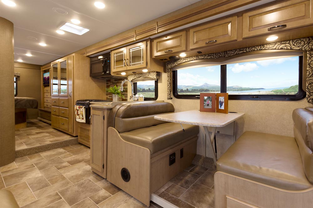 Four Winds Thormotorcoach Oman Motor Homes